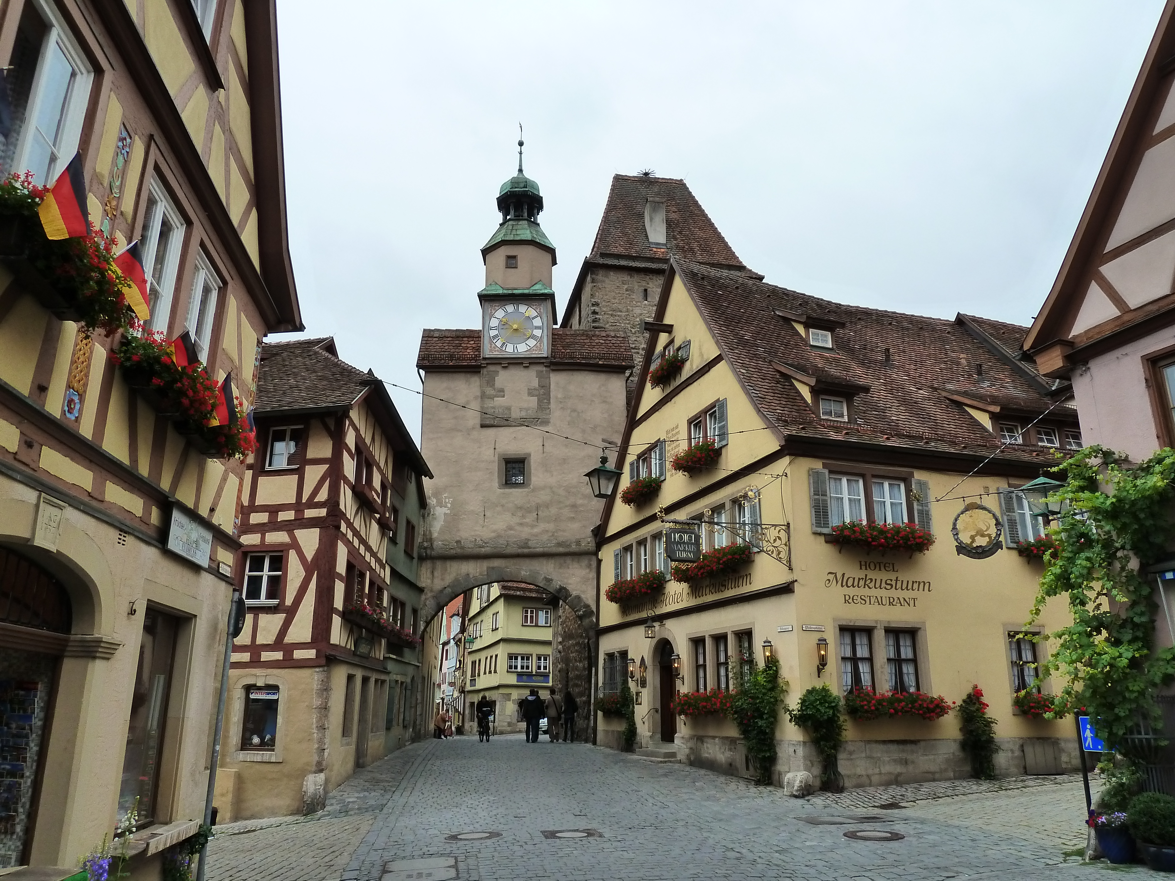 The Roeder Tor, one of the many towers scattered throughout Rothenburg