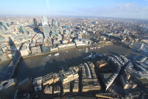How many iconic London structures can you count in this picture?